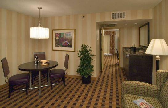 Suite Embassy Suites by Hilton Minneapolis Airport
