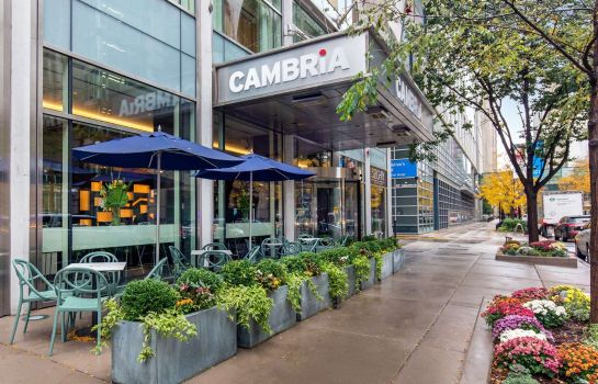 Außenansicht Cambria Hotel Chicago Magnificent Mile