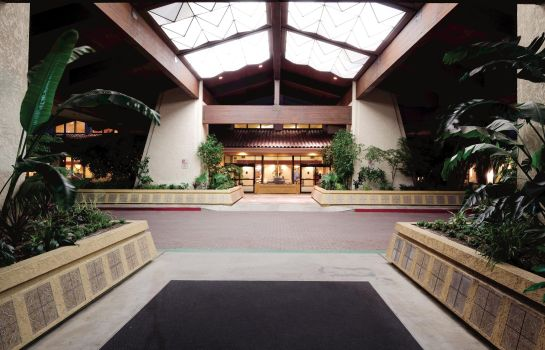 Hall DoubleTree by Hilton Bakersfield