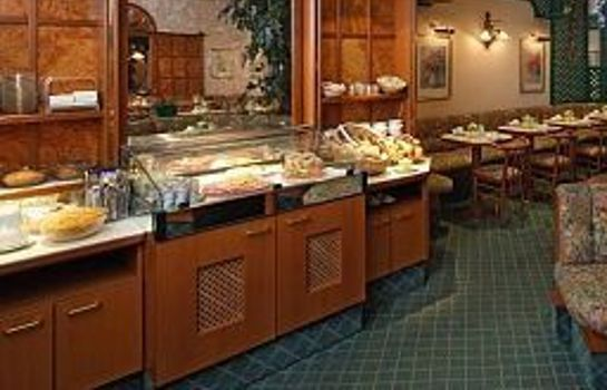 Breakfast buffet Baronesse Hotel Pension