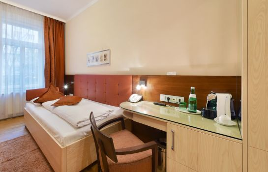 Single room (superior) Baronesse Hotel Pension