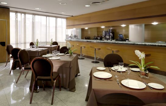 Hotel bar Holiday Inn MADRID - PIRAMIDES