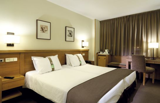 Double room (standard) Holiday Inn MADRID - PIRAMIDES