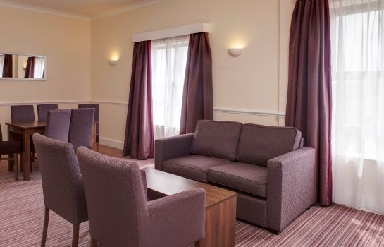 Suite JCT.33 Holiday Inn ROTHERHAM-SHEFFIELD M1