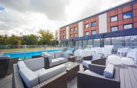 Terrace Holiday Inn TOULOUSE AIRPORT