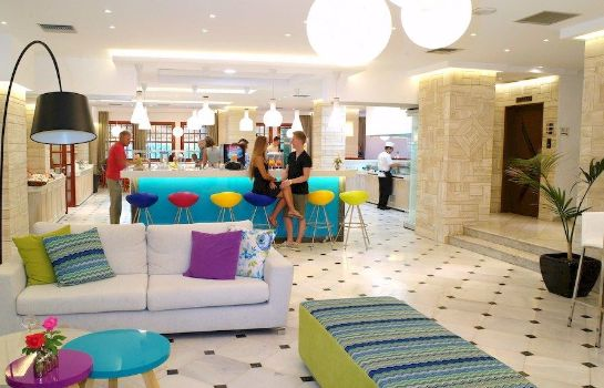 Hotel bar Smartline Kyknos Beach Hotel & Bungalows - All Inclusive