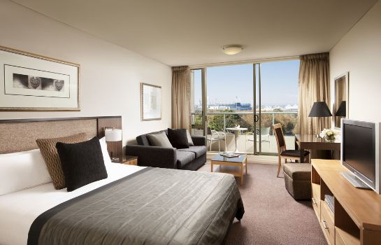 Standard room Quay West Suites Melbourne