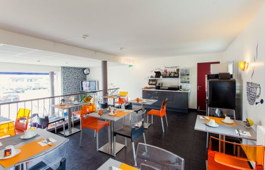 Breakfast room Comfort Hotel De L'Europe Saint Nazaire