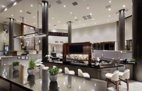 Hotel bar DoubleTree by Hilton Dallas Near the Galleria