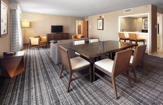 Suite DoubleTree by Hilton Dallas Near the Galleria