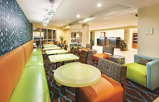 Hall de l'hôtel La Quinta Inn & Suites Knoxville Airport