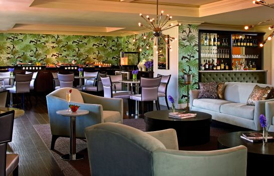 Hotel bar Eau Palm Beach Resort and Spa