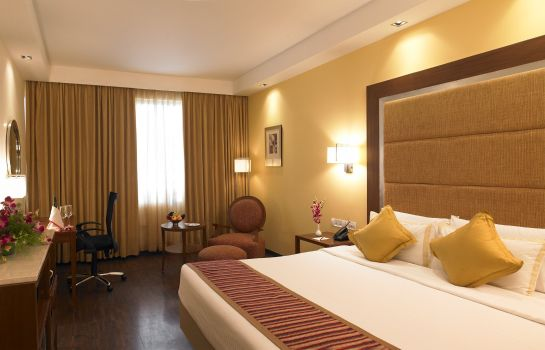 Chambre Royal Orchid Central Bangalore