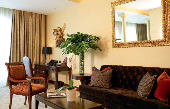 Kamers Country Club Lima Hotel