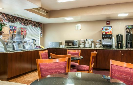 Restaurant Clarion Inn & Suites Northwest