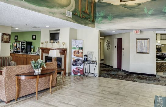 Lobby Quality Suites Baton Rouge