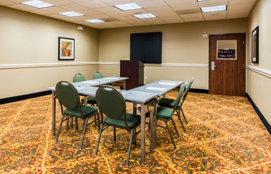 Conference room Comfort Suites Westchase