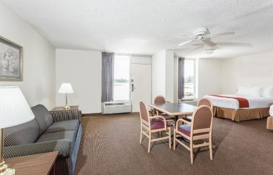 Suite Days Inn-Adel-South Georgia-Motorsports Park