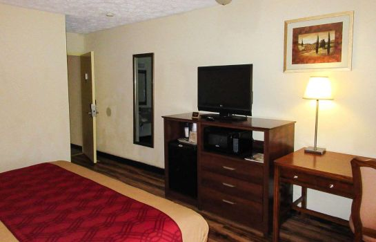 Zimmer Econo Lodge Colonial