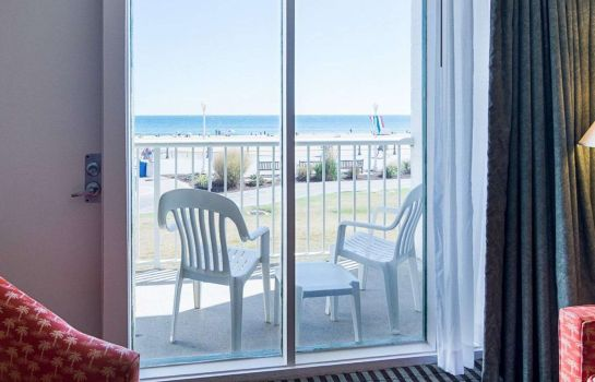 Zimmer Econo Lodge Virginia Beach - On the Ocean