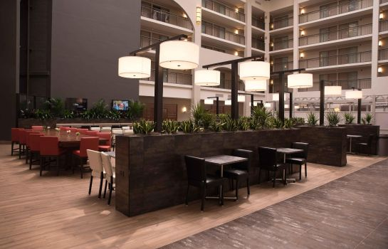 Restaurant Embassy Suites by Hilton Detroit Livonia Novi