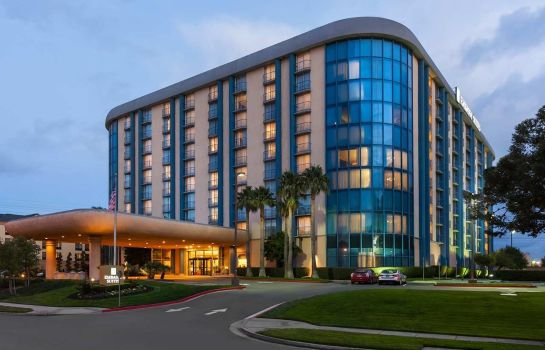 Buitenaanzicht Embassy Suites by Hilton San Francisco Airport