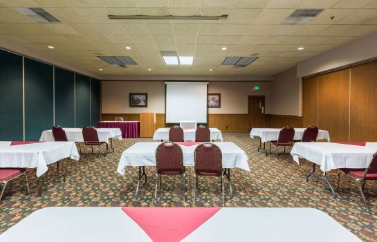 Sala konferencyjna Quality Inn and Conference Center
