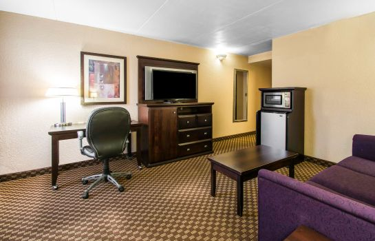 Zimmer Quality Inn & Suites