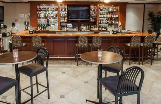 Bar del hotel Clarion Hotel & Conference Center