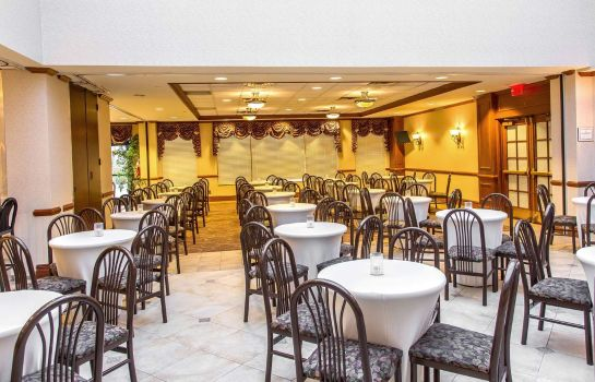 Restaurante Clarion Hotel & Conference Center