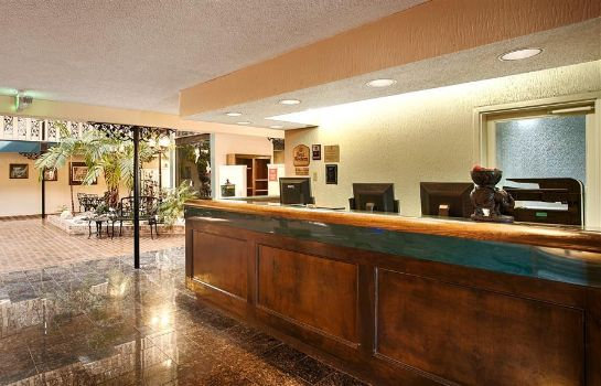Hotelhalle SURE STAY PLUS HOTEL BY BW BATON ROUGE