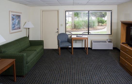 Zimmer OCEANSIDE INN AND SUITES