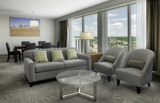 Suite DoubleTree by Hilton Cedar Rapids Convention Complex