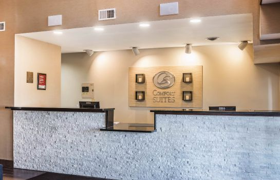 Hall Comfort Suites North