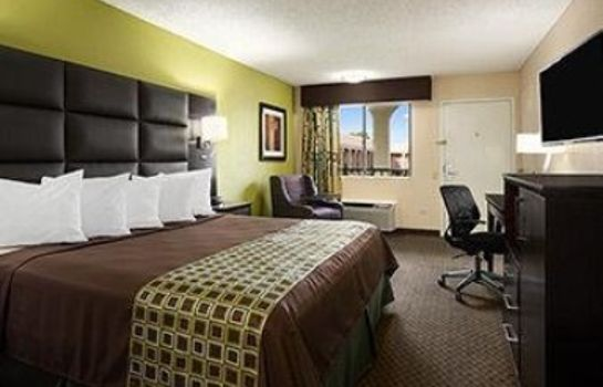 Zimmer DAYS INN DALLAS IRVING