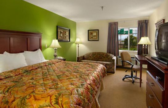 Zimmer DAYS INN AND SUITES WICHITA