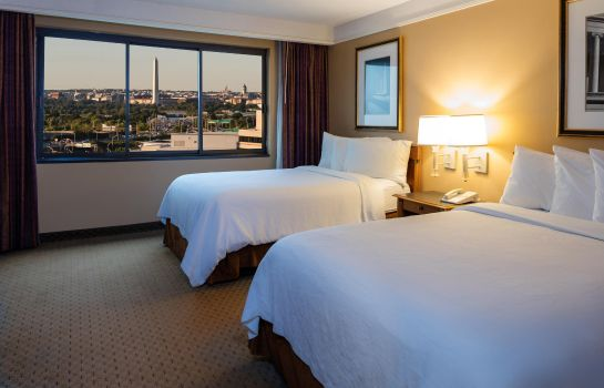Suite Embassy Suites by Hilton Crystal City National Airport
