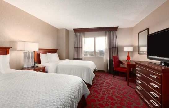 Suite Embassy Suites by Hilton Dulles Airport