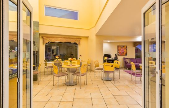 Hotelhalle Holiday Inn Express & Suites PACIFICA