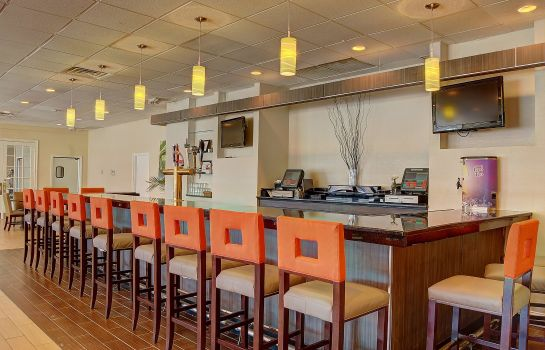 Restaurant Holiday Inn DANBURY-BETHEL @ I-84