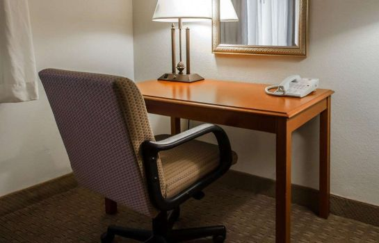 Suite Clarion Hotel Conference Center - North