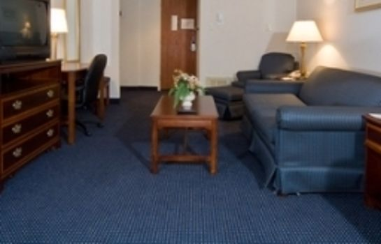 Suite Clarion Hotel and Conference Center Harrisburg West