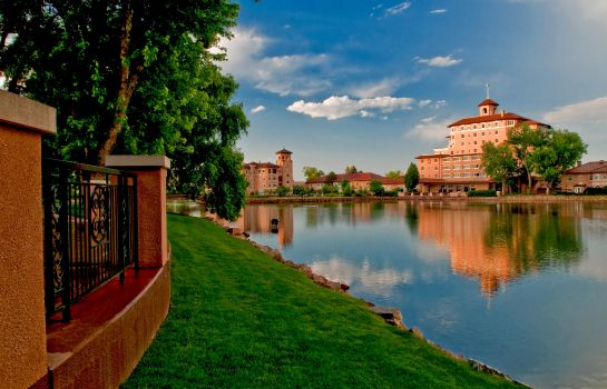 Vista exterior The Broadmoor Preferred LEG