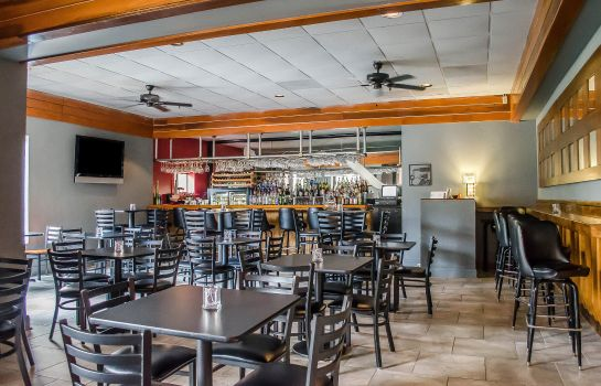Hotelbar Quality Inn & Suites Pensacola Bayview