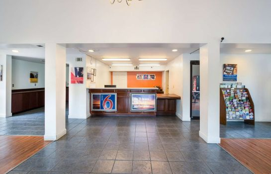 Hall Motel 6 Savannah Airport - Pooler