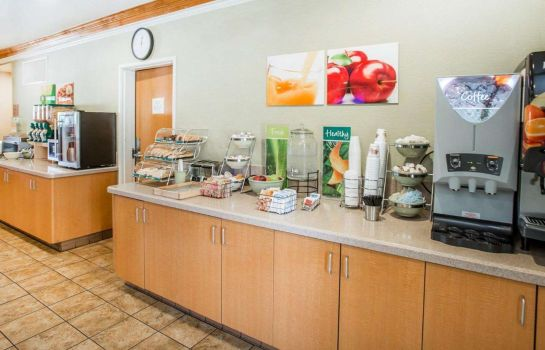 Restaurant Quality Inn & Suites Denver International Airport