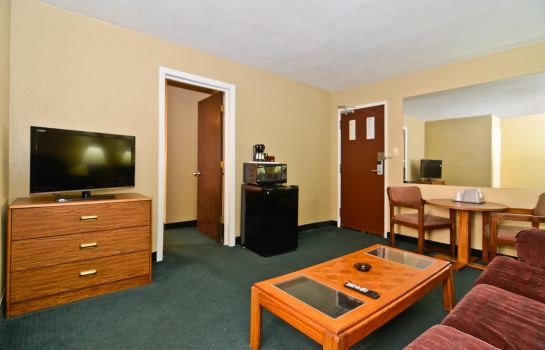 Suite Americas Best Value Inn & Suites Kansas City Downtown