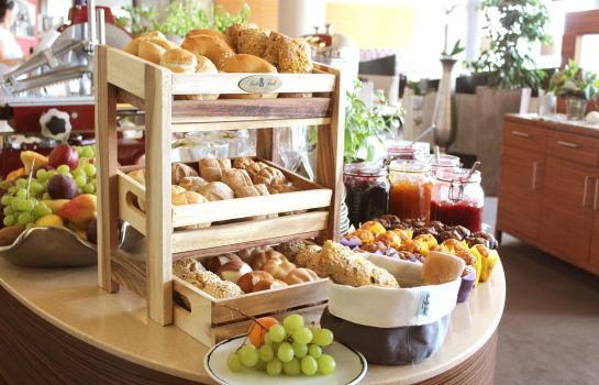Breakfast buffet Hotel zum Senner Zillertal - Adults only