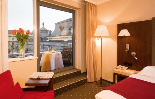 Double room (standard) NH Budapest City