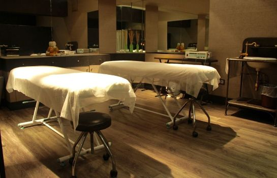 Massage room Hotel Roc Blanc